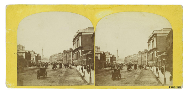 </p> <p>عکاس ناشناخته، عکس استریوسکوپ از خیابان پارلمان از دیدگاهی به سمت میدان ترافالگار با وایتهال در جلوی تصویر، ۱۸۵۰ تا ۱۸۸۰، از مجموعه موزه ویکتوریا و آلبرت